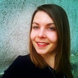 Яна Младенова