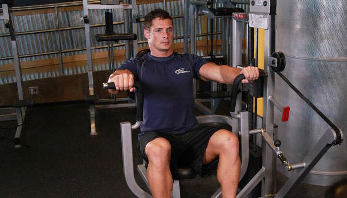 Избутване на машина за гръдни мускули