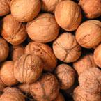 Орехи - здравословната алтернатива на бирения фъстък