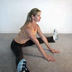 Разтягане за глутеуси, аддуктори  и задни бедра от сед