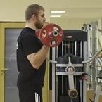 Недоразбрани упражнения: бицепсово сгъване с щанга (I част)